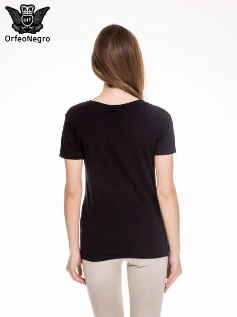 Czarny t-shirt z napisem LAUGH AS MUCH                                  zdj.                                  4