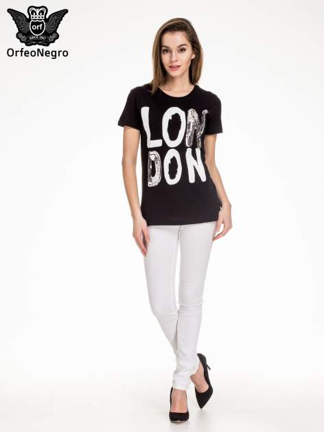 Czarny t-shirt z napisem LONDON