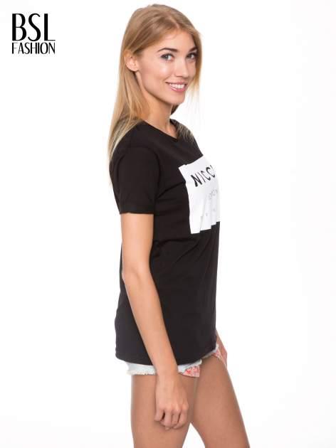 Czarny t-shirt z napisem w minimalistycznym stylu NICCE LONDON                                  zdj.                                  3
