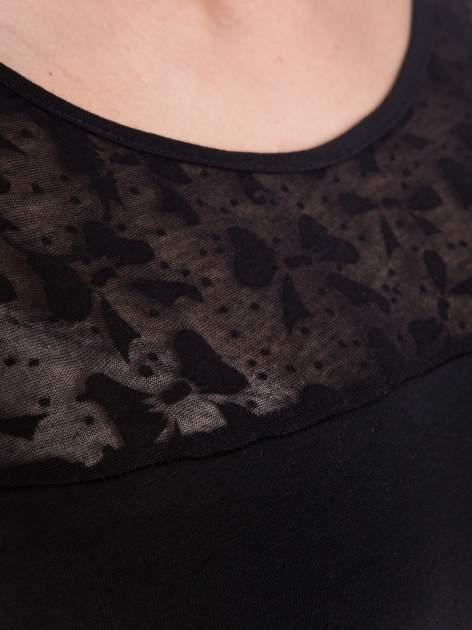 Czarny t-shirt z transparentną górą w kokardki                                  zdj.                                  4
