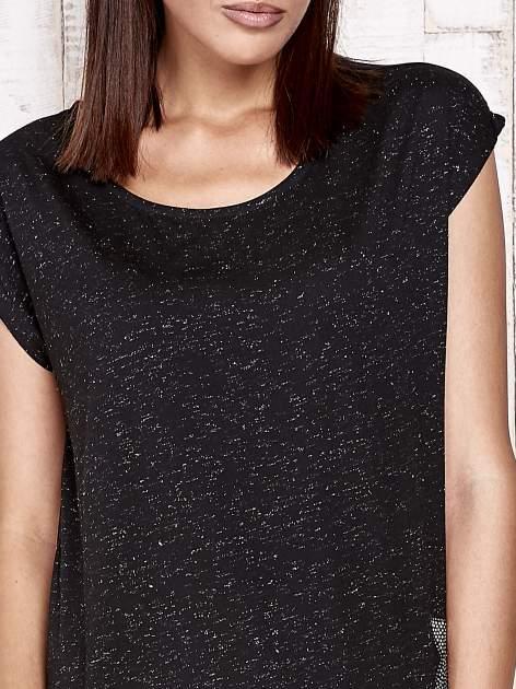 Czarny t-shirt ze srebrną nitką i aplikacją z dżetów                                  zdj.                                  5