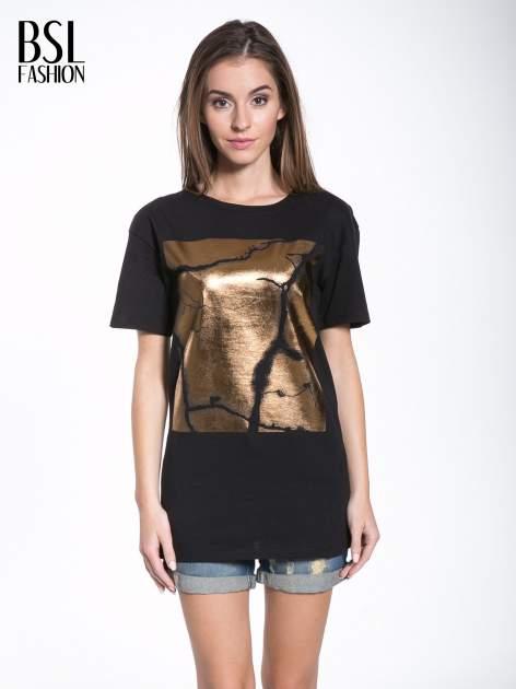 Czarny t-shirt ze złotą grafiką