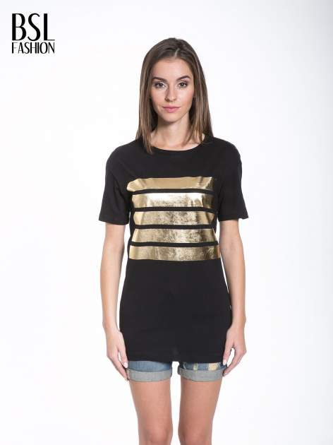 Czarny t-shirt ze złotymi pasami w stylu glamour                                  zdj.                                  1