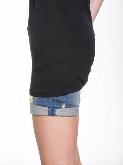 Czarny t-shirt ze złotymi pasami w stylu glamour                                  zdj.                                  8