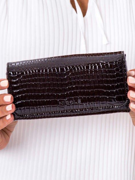 Czarny tłoczony portfel z ekoskóry