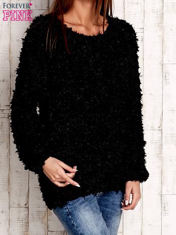 Czarny włochaty sweter                              zdj.                              3
