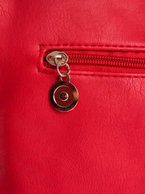 Czerwona ażurowana listonoszka                                  zdj.                                  4