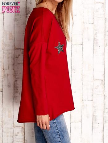 Czerwona bluza z błyszczącymi gwiazdkami                                  zdj.                                  3
