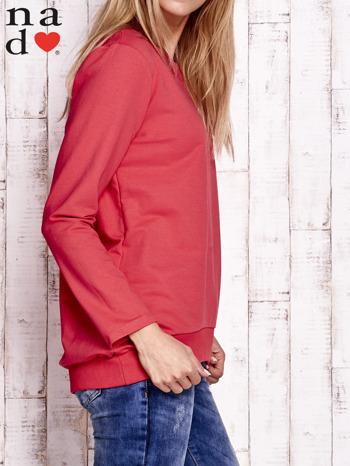 Czerwona bluza z dekoltem w łódkę                                  zdj.                                  3