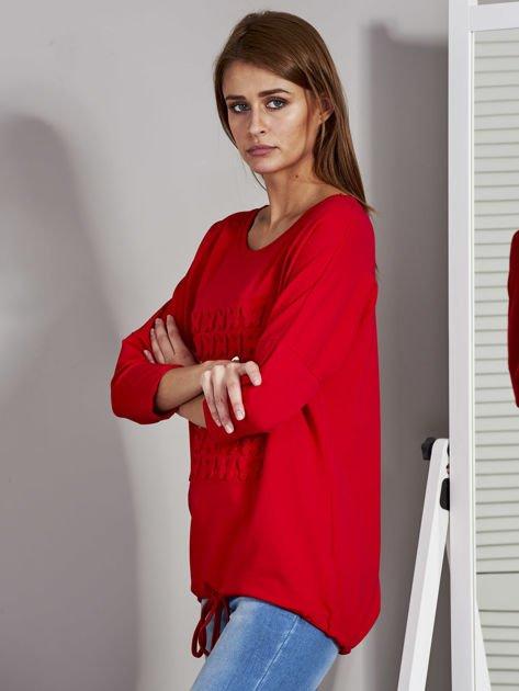 Czerwona bluza z motywem motyli                              zdj.                              3