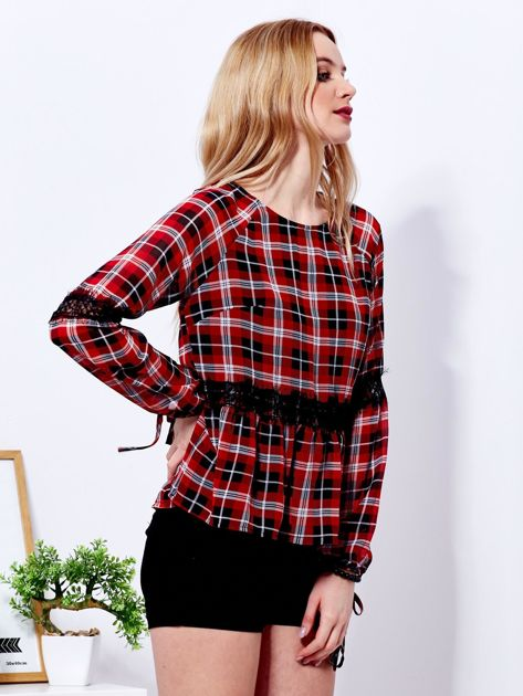 Czerwona bluzka w kratę z koronką                              zdj.                              3