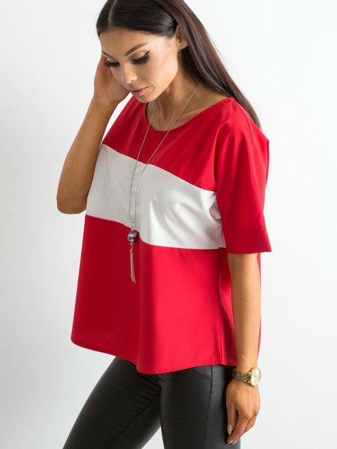 Czerwona bluzka z kontrastową wstawką                              zdj.                              3