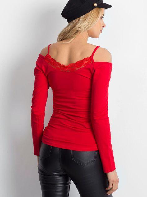 Czerwona bluzka z koronką                              zdj.                              2