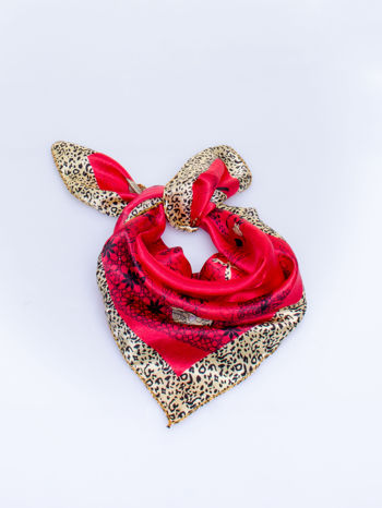 Czerwona chusta apaszka z pasem w cętki panterki                                  zdj.                                  1