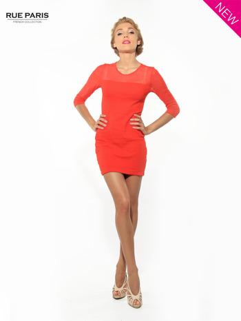Czerwona dopasowana sukienka pokryta na górze siateczką                                  zdj.                                  3