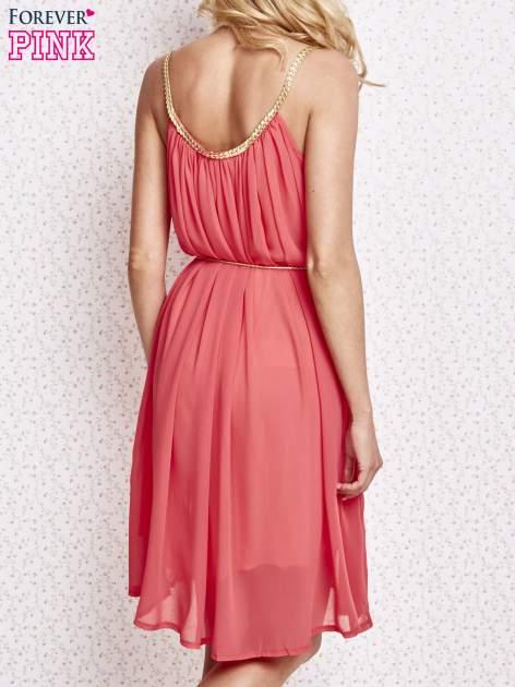 Czerwona grecka sukienka ze złotym paskiem                                  zdj.                                  2