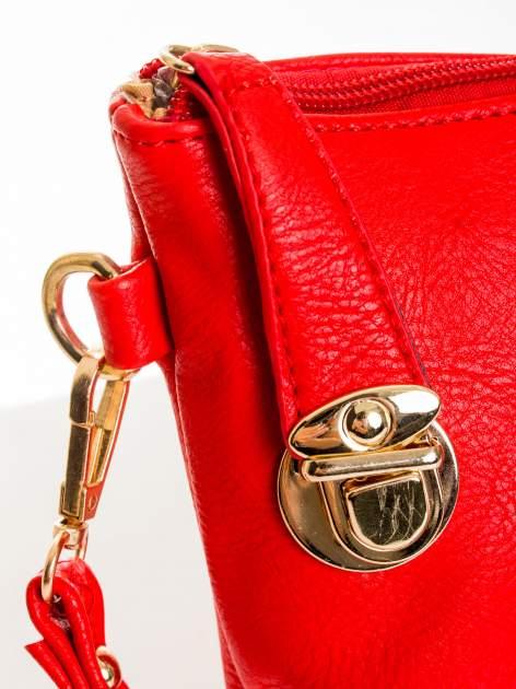 Czerwona kopertówka z dżetami motyw apple                                  zdj.                                  4