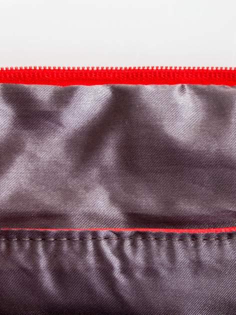 Czerwona kopertówka z dżetami napis LUCY WORLD                                  zdj.                                  7