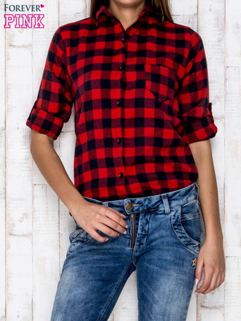Czerwona koszula w kratę z podwijanymi rękawami                              zdj.                              5