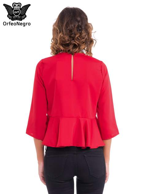 Czerwona koszula z baskinką