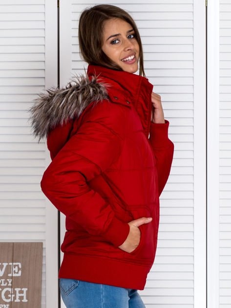 Czerwona kurtka puchowa z kapturem z futerkiem                                  zdj.                                  5