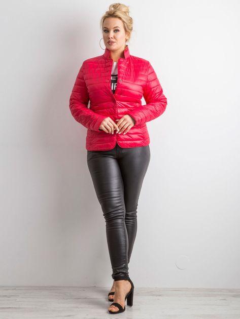 Czerwona kurtka z pikowaniem PLUS SIZE                              zdj.                              4