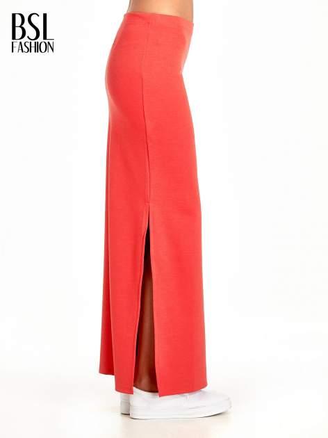 Czerwona maxi spódnica z rozcięciem z boku                                  zdj.                                  3
