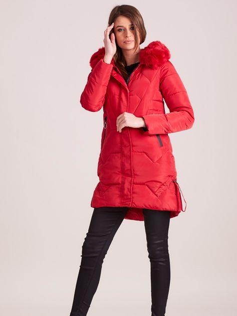 Czerwona pikowana kurtka na zimę                              zdj.                              4