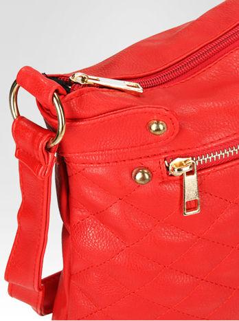 Czerwona pikowana torebka na ramię                                  zdj.                                  6