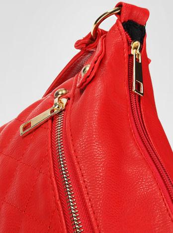 Czerwona pikowana torebka na ramię                                  zdj.                                  8