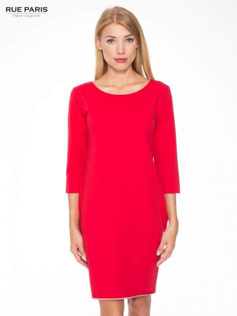 Czerwona prosta sukienka z surowym wykończeniem i kieszeniami                                  zdj.                                  1