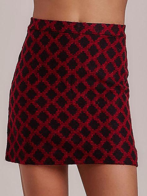 Czerwona spódnica w romby