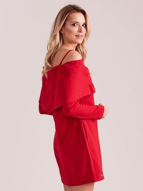 Czerwona sukienka cold arms z szeroką falbaną                              zdj.                              3