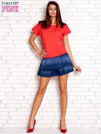 Czerwona sukienka dresowa z jeansowym dołem                                  zdj.                                  4