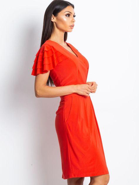 Czerwona sukienka koktajlowa z falbankami na rękawach                                  zdj.                                  5