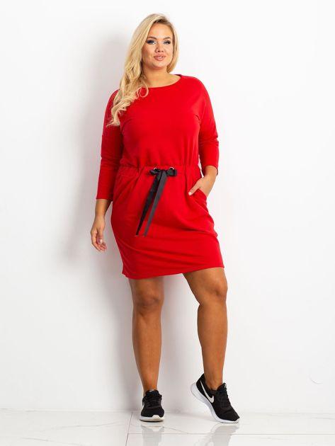 Czerwona sukienka plus size Lyric                              zdj.                              4