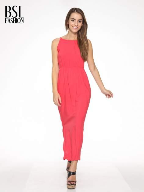Czerwona sukienka w stylu greckim