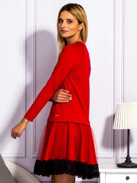 Czerwona sukienka z tiulową spódnicą                                  zdj.                                  3