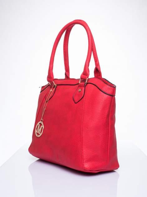Czerwona torba miejska ze złotą zaiweszką                                  zdj.                                  2