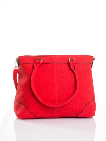 Czerwona torba na ramię ze złotymi okuciami                                  zdj.                                  1
