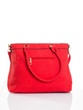 Czerwona torba na ramię ze złotymi okuciami                                  zdj.                                  3
