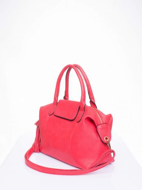 Czerwona torba z klapką i odpinanym paskiem                                  zdj.                                  2
