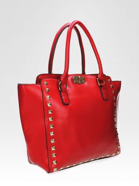Czerwona torebka na ramię z dżetami                                  zdj.                                  6