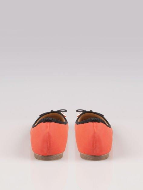 Czerwone balerinki faux leather Amber z ozdobną kokardką                                  zdj.                                  3