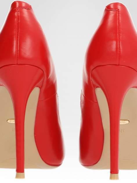 Czerwone klasyczne szpilki ze smukłym noskiem                                  zdj.                                  7