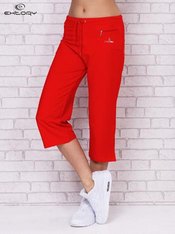 Czerwone spodnie sportowe capri                                  zdj.                                  1