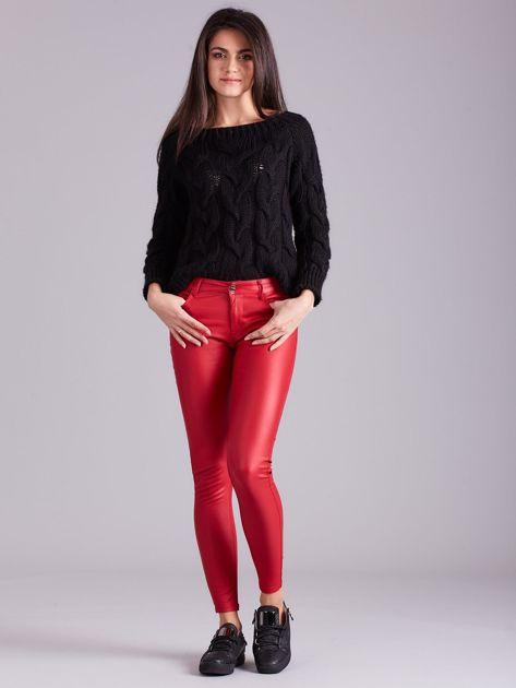 Czerwone woskowane spodnie                               zdj.                              4
