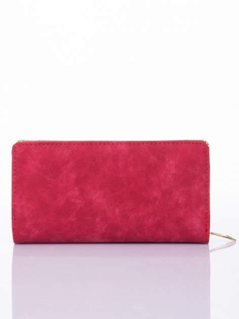 Czerwony ażurowany portfel ze złotymi okuciami                                  zdj.                                  2