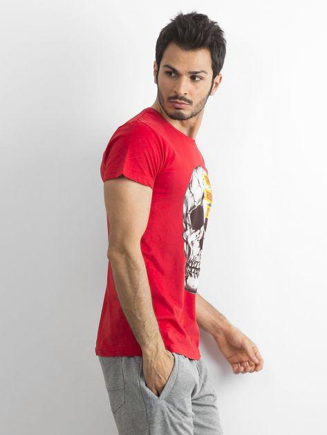 Czerwony bawełniany t-shirt męski z printem                              zdj.                              3