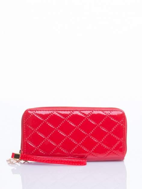 Czerwony lakierowany pikowany portfel                                  zdj.                                  1